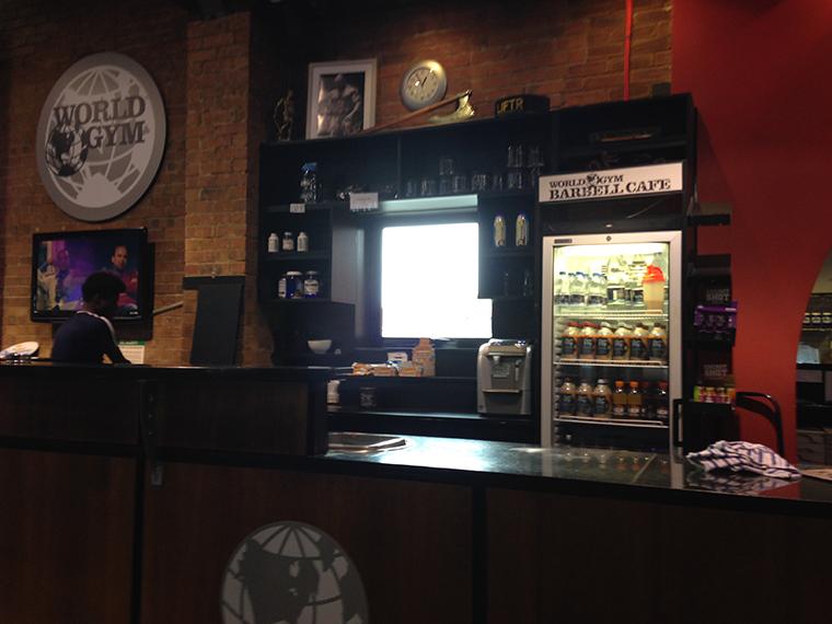 ワールドジムの利用システム Barbell Cafe